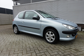 Peugeot-206